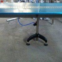 Завантажувальний стіл
